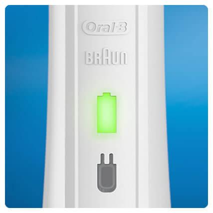 Oral-B Pro 1 200 với đèn báo sạc